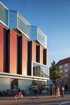 Wohnsporthalle mit Supermarkt - Hybrid von Dorte Mandrup in Kopenhagen