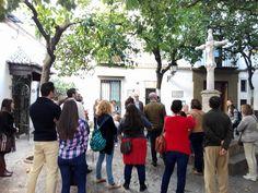 """Plaza de Santa Marta. Rincones con encanto en """"La Sevilla que no has visto"""" #Sevilla #rutas sevillamiatours.com"""