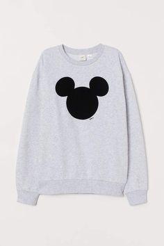 Grunge Style, Soft Grunge, Disney Sweaters, Disney Sweatshirts, Cute Sweatshirts, Tokyo Street Fashion, Le Happy, Trendy Fashion, Girl Fashion