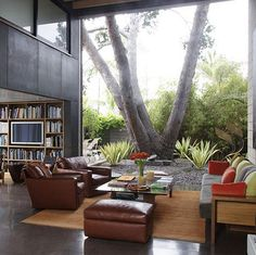 More modern than I normally like, but this is fabulous space...