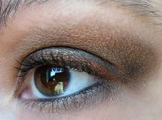 Greeting Fall Spirit with a Coppery Look - Cult of Taupe Brown Eyeshadow Looks, Beauty Junkie, Taupe, Beauty Hacks, Hair Makeup, Spirit, Autumn, Fall, Beige