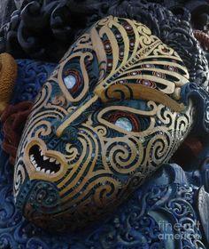 maori-mask-new-zealand-bob-christopher.jpg 756×900 pixels