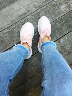 My Favorite Vegan-Friendly, Leather-Free Sneakers for Men & Women – Tedi Sarah Michael Kors Ring, Vegan Sneakers, Vegan Friendly, Men And Women, Lifestyle Blog, My Favorite Things, Leather, Friends, City