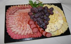 kalte Platte mit Käse                                                                                                                                                     Mehr Sandwich Torte, Light Texture, Iftar, Food Art, Acai Bowl, Catering, Vitamins, Deserts, Nutrition