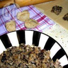 Polnische Teigtaschen mit Pilzfüllung (Uszka) @ de.allrecipes.com
