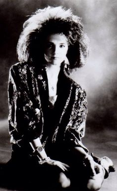 Howard The Duck : Lea Thompson as Beverley Switzler. Rock N Roll Music, Rock And Roll, Howard The Duck, Female Hero, My Generation, First Tv, Youth Culture, Sci Fi, Celebrities