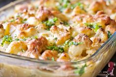 In the cold months we eat a lot of oven dishes. My autumn casserole is . Oven Dishes, Cold Dishes, Cauliflower Casserole, Snack Recipes, Snacks, Potato Salad, Macaroni And Cheese, Good Food, Food And Drink