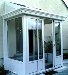 Fabulous determined entry porch design Like us - Anbau Porch And Balcony, House With Porch, Screened In Porch, House Front, Upvc Porches, Car Porch Design, Sas Entree, Porch Enclosures, Porch Kits