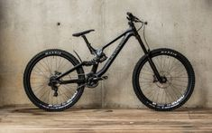 Canyon has released an new aluminium version of it's Sender downhiller. The new Canyon Sender AL brings the performance of the Sender to the masses. Freeride Mountain Bike, Mountain Biking, Downhill Bike, Bike News, Ride Or Die, Bike Design, Mtb, Bicycles, Sports