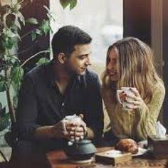 در مکالمه انگلیسی جذاب دو دوست به ساختار ساده جملات توجه کنید. شما با مرور مکالمات ساده و به ذهن سپردن این متون، مهارت مکالمه انگلیسی را تقویت نمایید.