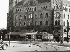 BERLIN 1934, das 'Romanische Café' bei der Kaiser-Wilhelm-Gedächtniskirche in  Charlottenburg, Künstlertreff in den Goldenen Zwanzigern. Heute steht an der Stelle am Breitscheidplatz, zwischen Tauentzien- und Budapester Straße, seit 1965 das Europa-Center.