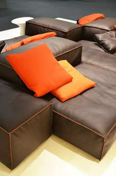 GRAYE los angeles: PhotoLiving Divani 2014 - Cologne New leather version of the popular Extrasoft modular seating system by Piero Lissoni. Surely to lead to even further success, it already is the best seller at the Graye showroom in Los Angeles!