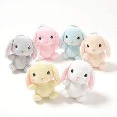 Order the full set and receive a randomly selected mini plushie as a free bonus!Please note that the series and version of the free bonus mini plushies will be selected at random. Amuse's happy rabbit family Pote Usa Loppy is back in the form of these super-cute pocket-size ball chain plushies! A mere 3.3 inches tall, these little bunnies can easily hide in your palm. Choose from Shiroppy, Chappy,... #tokyootakumode #plushie