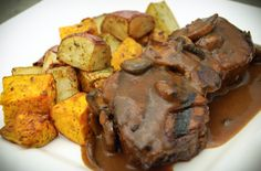 For the hearty lunch crowd select our Medallions of Beef Tenderloin served with wild muchroom madeira sauce & medley of garlic roasted potatoes, served with grilled ciabatta.