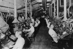 N.Y. Herald: Composing room and linotype machines, 1902