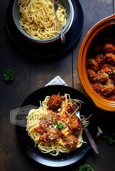 Spaghetti Meatballs Keju dengan Saus Tomat Homemade
