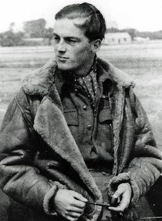 F/O David B Bell-Salter of No 253 Squadron RAF was shot down over the Sussex coast on 2 September 1940. Unable to pull out the harness pin with his hypothermic hands, he managed to exit the aircraft at 1,500ft, but rendered unconscious as he went through the airflow in a full-throttle dive. He came to at 100ft, hanging upside down by one leg with a single rigging line caught behind his knee. He sustained several crushed vertebrae, dislocated shoulders, a broken knee and his right heel…