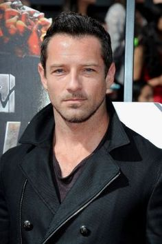 Ian Bohen #BringingSexyBack!! His style is great!