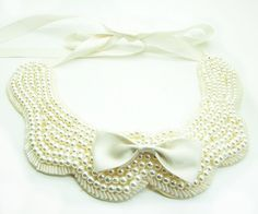 Cute Ivory Pearl & Buckle Bead Butterfly Bow Collar Necklace.