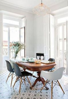 Some furniture surprisingly coalesces nicely together due to their forms and features.  For example, sleek, modern stools can be nicely paired with old tables with spindly legs