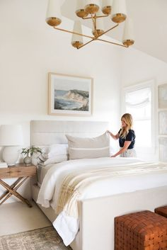 guest bedrooms My Parents' Guest Bedroom Makeover Benefits Of A Heated Driveway For R Studio Mcgee, Small Room Bedroom, Home Decor Bedroom, Bedroom Furniture, Bedroom Ideas, Master Bedroom, Guest Bedrooms, Neutral Bedrooms, White Bedrooms