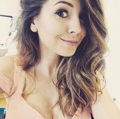 Zoe is soon pretty!!! HOW IS IT POSSIBLE!!! << I think you mean soo because she is beautiful already .
