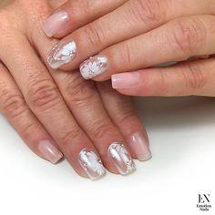 Unghie eleganti e sofisticate per stupire con semplicità e naturalezza. Emotion Nails è anche questo!  #unghiesemplici #unghieleganti #unghiesposa #bridalnails