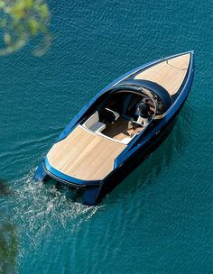 Like obtaining a driver's license, getting your boating license is a process that you must take seriously. Yacht Design, Boat Design, Wooden Speed Boats, Wood Boats, Jet Privé, Runabout Boat, Classic Wooden Boats, Sport Boats, Yacht Boat