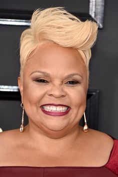 Tamela Mann - 25 Celeb-Approved Ways To Rock A Poppin' Pompadour Hairstyle Short Relaxed Hairstyles, Short Sassy Haircuts, Classy Hairstyles, Creative Hairstyles, Pixie Hairstyles, Funky Short Hair, Short Hair Cuts, Short Hair Styles, Pixie Cuts