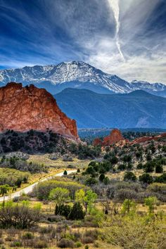 Pikes Peak towering over Garden of the Gods in Colorado Springs, Colorado. Went into Pikes Peak but did not make it to the summit due to the threat of the Waldo Canyon fire in Colorado Springs, Road Trip To Colorado, Colorado Mountains, Denver Colorado, Rocky Mountains, Brighton Colorado, Colorado Cabins, Visit Colorado, Living In Colorado