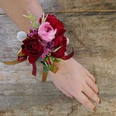 wedding wrist Corsages for perfect wedding — OSTTY Gold Corsage, Wrist Corsage Wedding, Corsage And Boutonniere, Flower Corsage, Prom Coursage, Perfect Wedding, Our Wedding, Red Wedding Flowers, Wedding Gloves