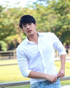 Thai BL actors I would like to see in a drama together Cute Asian Guys, Hot Asian Men, Line Tv, Korean Boys Ulzzang, Theory Of Love, Husband Humor, Le Male, Thai Drama, Flirting Humor