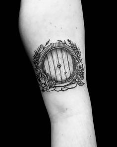Ring Tattoo Designs, Ring Tattoos, Tattoo You, Cute Tattoos, Beautiful Tattoos, Body Art Tattoos, Tattoos For Guys, Amazing Tattoos For Women, Elvish Tattoo