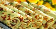 Crêpes salées au fromage et à l'aneth (ou autres herbes au choix) - Recette russe - Сырные блины с зеленью Hungarian Recipes, Russian Recipes, Cheese Pancakes, Waffles, Herb Recipes, Cooking Recipes, Pancake Fillings, Vegetarian Recipes, Healthy Recipes