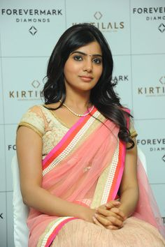 Most Popular and Akkineni. She has emerged as a leading actress in the South Indian industry. Samantha in Pink Saree. Samantha In Saree, Samantha Ruth, Cute Beauty, Beauty Full Girl, South Indian Actress, Beautiful Indian Actress, South Actress, Beautiful Saree, Beautiful Celebrities