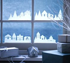 It is that time of the year again, but you have not made up your mind yet on how to … Christmas Window Decorations, Holiday Decor, Christmas Card Pictures, Christmas Crafts, Xmas, Salon Interior Design, Elegant Christmas, Window Design, Exterior Design