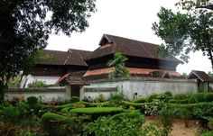 Visit Arakkal Palace and Kannur Fort is one of the top attractions in Kerala. Find more information to visit this. Beautiful Beaches, Beautiful Gardens, Famous Architectural Buildings, Kerala Architecture, Kerala Travel, Kerala Houses, States Of India, Dormer Windows, Kerala India