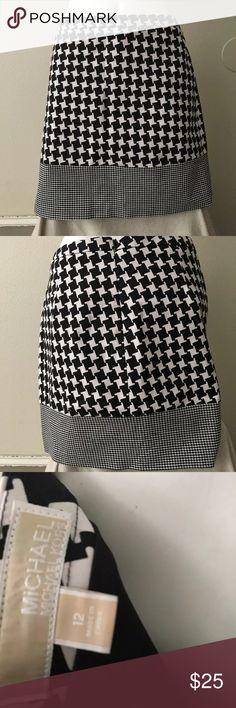 "Michael Kors skirts size 12 houndstooth Michael Kors skirts size 12 houndstooth never worn condition black and white . 17.25"" from top to bottom of skirt , 34"" waist Michael Kors Skirts"