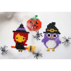 Halloween hama beads by diysweden Perler Beads, Perler Bead Art, Fuse Beads, Hama Beads Design, Hama Beads Patterns, Beading Patterns, Hama Beads Halloween, Halloween Crafts, Halloween Ornaments