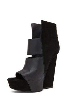 GARETH PUGH Women s Shoes in Black Gareth Pugh, Kylie Minogue, Wedge Boots,  Heeled 0e87199bb046