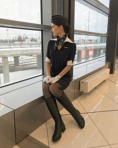 Delta Flight Attendant, Flight Girls, Flight Outfit, Airline Uniforms, Female Pilot, Girl Fashion, Womens Fashion, Sexy Boots, Nice Legs