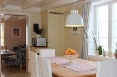 Spiseplass på kjøkken. Home, Decor, Furniture