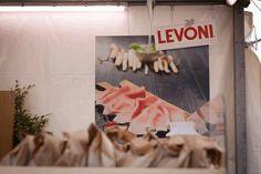 Stand Levoni