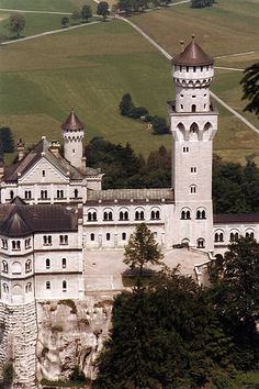The Tower in the Neuschwanstein Castle, Bavaria, Germany. Beautiful Castles, Beautiful Places, Monuments, Bavaria Germany, Fussen Germany, Cathedral Architecture, Germany Castles, Honeymoon Places, Neuschwanstein Castle