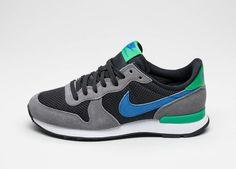 Nike Wmns Internationalist (Dark Grey / Racer Blue - Black)