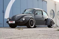 1303 Super Beetle on a Porsche Boxster chassis... Dig that side engine intake and widened fenders. LUV IT!  WANT...