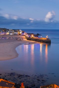 St Ives luxury self-catering holiday cottages in St Ives. Handpicked in prime locations, with sea views & parking. Book your St Ives holiday cottages today! St Ives Cornwall, Devon And Cornwall, Cornwall England, Yorkshire England, Yorkshire Dales, Cornwall Coast, Places In Cornwall, Cornwall Beaches, St Ives Cottages