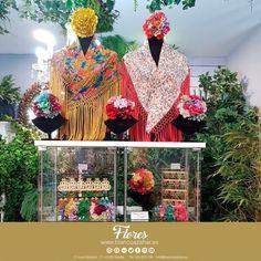 🌸😚Tu #look de #flamenca te espera en #BlancoAzahar.   #TodosLosColores en más de 100 especies de flores.  #ModaFlamenca #FeriadeAbril #FeriadeAbril2018 #Sevilla #floresflamenca #Mantoncillo #Flordeflamenca #ComplementosdeFlamenca Floral, Painting, Art, Hydrangea Corsage, Orange Blossom, Carnations, New Trends, Sevilla, White People