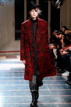 Yohji Yamamoto Fall 2014 Menswear Fashion Show