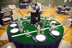 Football Birthday Party Tablescape #footballparty #footballbirthday #tabledecor